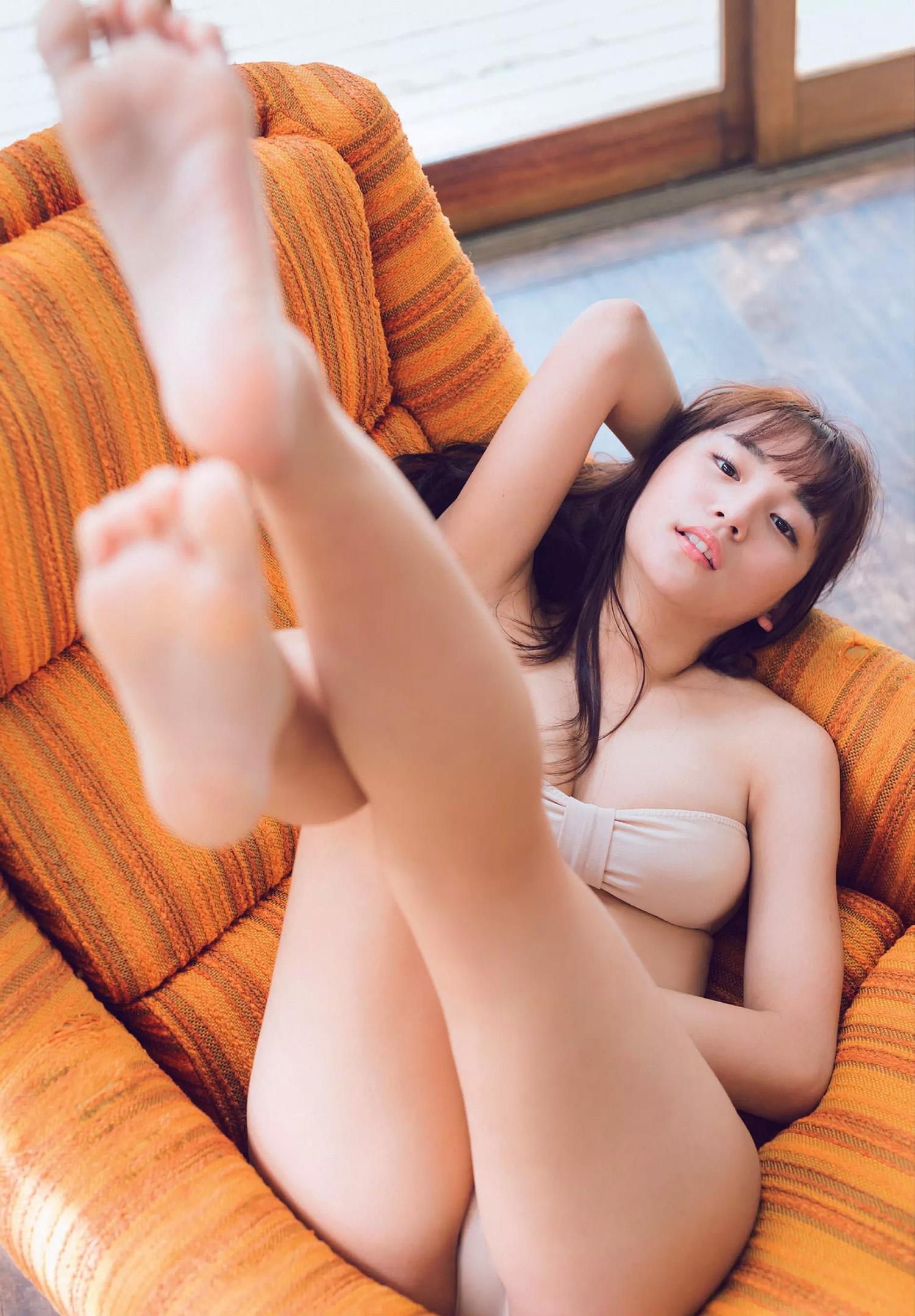 浅川梨奈(18)の最新写真集グラビア等!抜けるエロ画像170枚・30枚目の画像