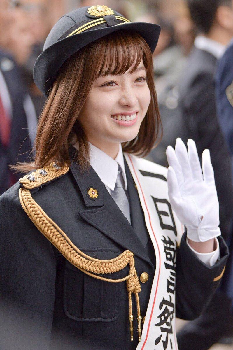 橋本環奈の1日警察署長姿のエロ画像002