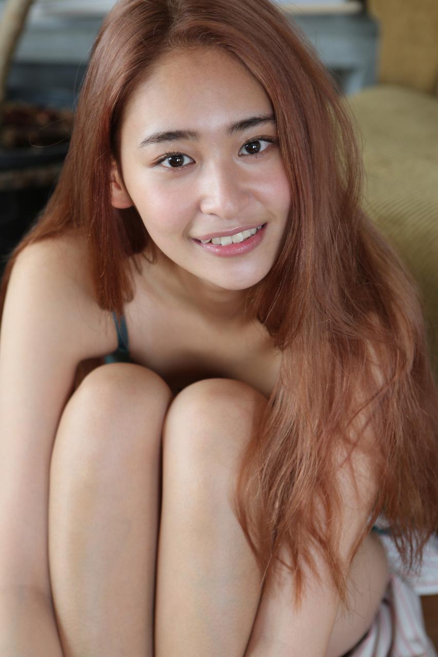 柳美稀の水着グラビアエロ画像038