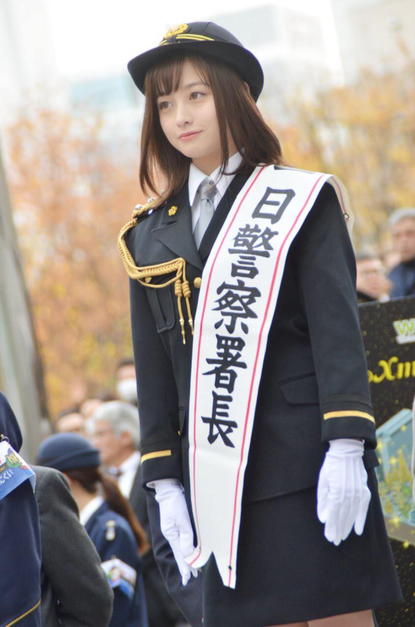 橋本環奈の1日警察署長姿のエロ画像009