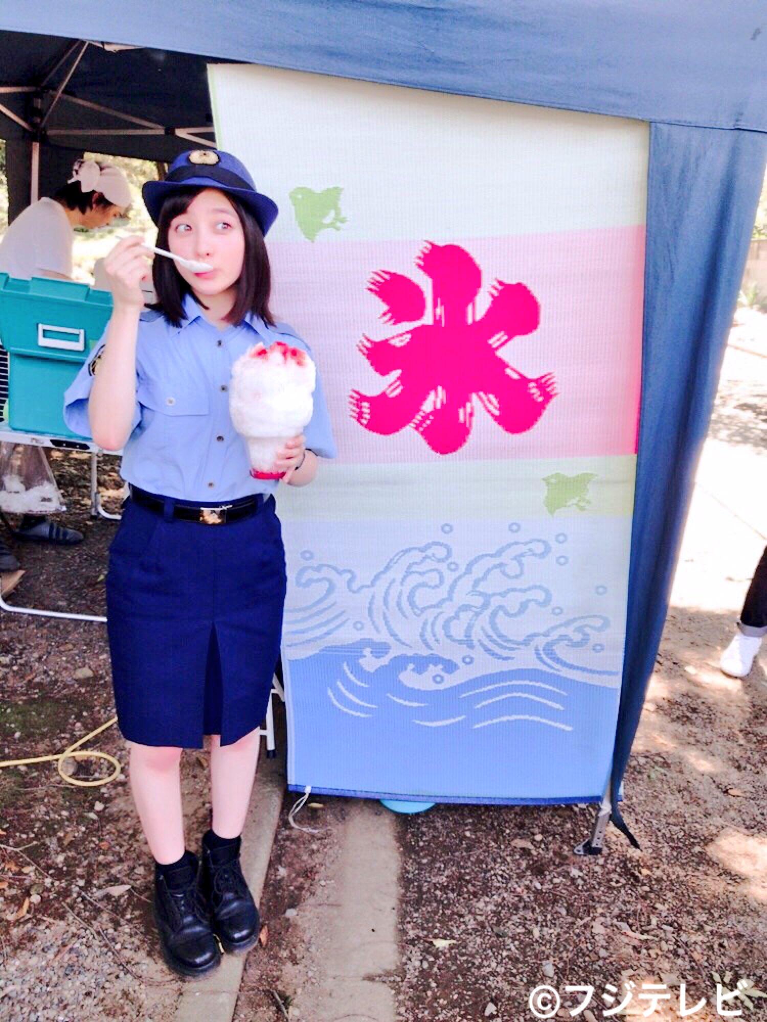 橋本環奈の1日警察署長姿のエロ画像016