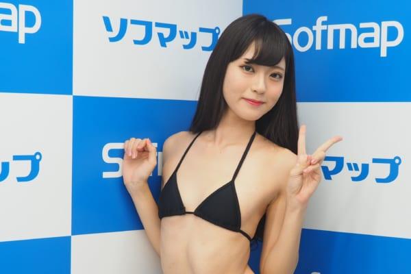 田中めい(20)貧乳女子大生グラドルのエロ画像130枚・4枚目の画像
