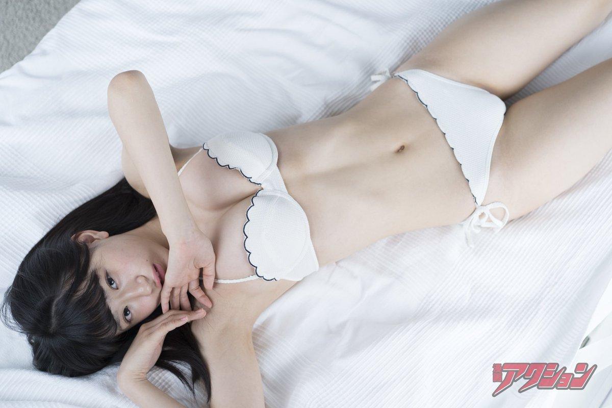 NMB48上西怜(16)Fカップが抜ける水着グラビアエロ画像45枚・17枚目の画像