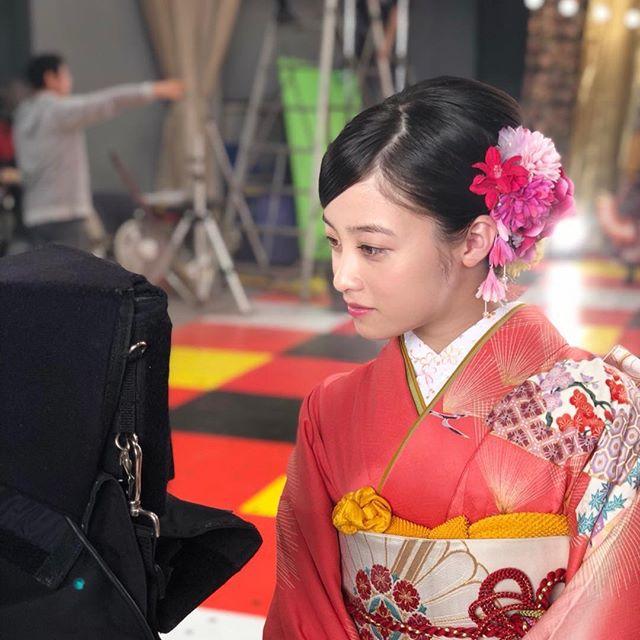 橋本環奈のインスタセクシー写真エロ画像036