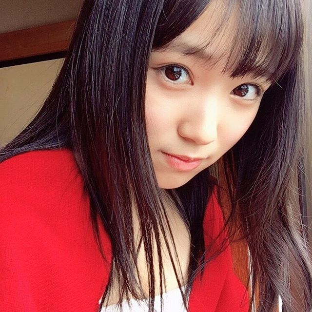 HKT48矢吹奈子(16)の胸チラ、水着グラビアエロ画像34枚・18枚目の画像
