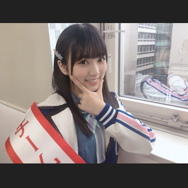 HKT48矢吹奈子(16)の胸チラ、水着グラビアエロ画像34枚・23枚目の画像
