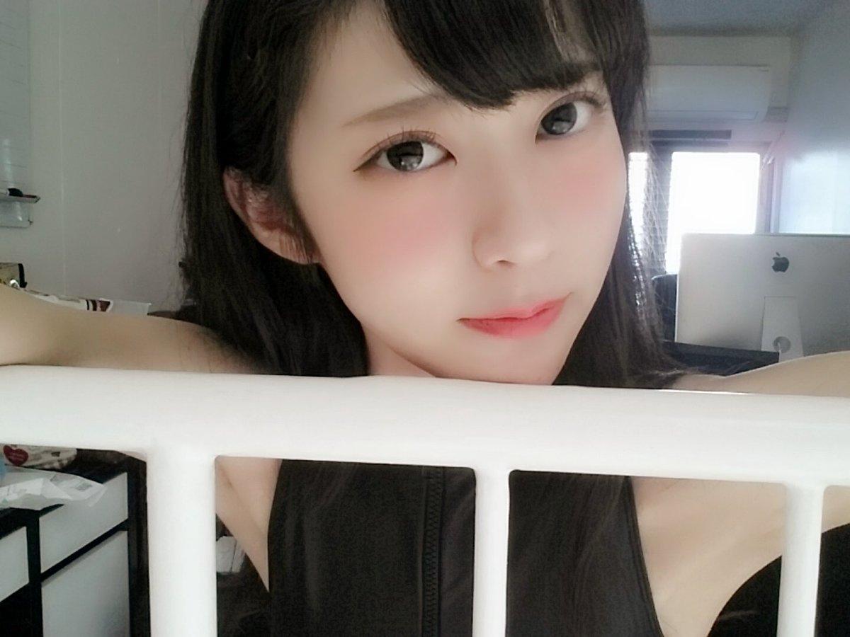 田中めい(20)貧乳女子大生グラドルのエロ画像130枚・119枚目の画像