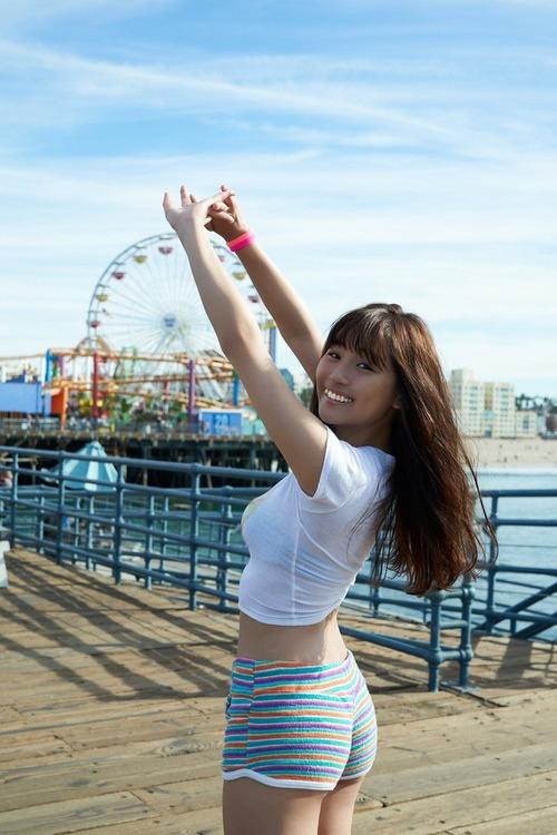 浅川梨奈(18)の最新写真集グラビア等!抜けるエロ画像170枚・12枚目の画像