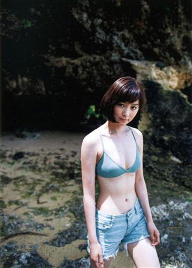 石橋杏奈(25)の最新写真集の水着姿も拝めるエロ画像53枚・17枚目の画像