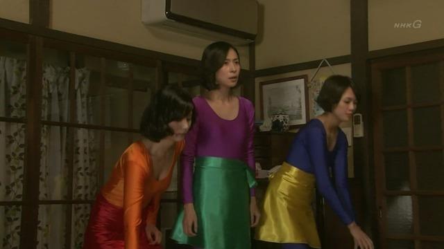 石橋杏奈のレオタード姿の胸チラ