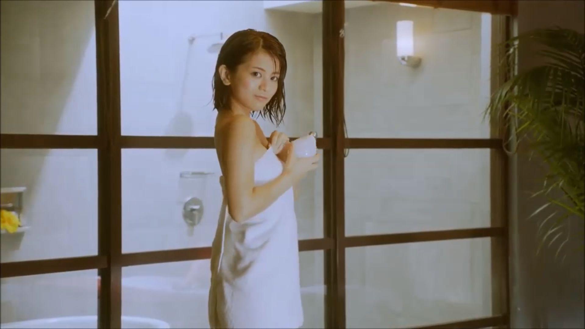 ラストアイドル吉崎綾(21)の全裸ヌードグラビア画像185枚・173枚目の画像