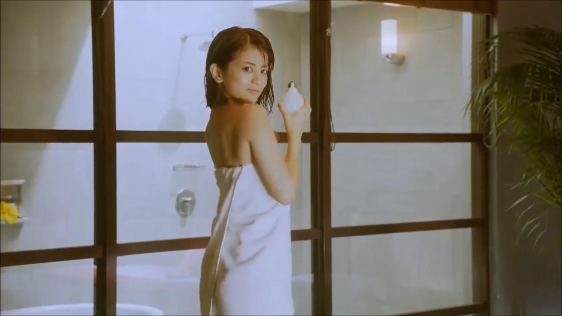 ラストアイドル吉崎綾(21)の全裸ヌードグラビア画像185枚・174枚目の画像