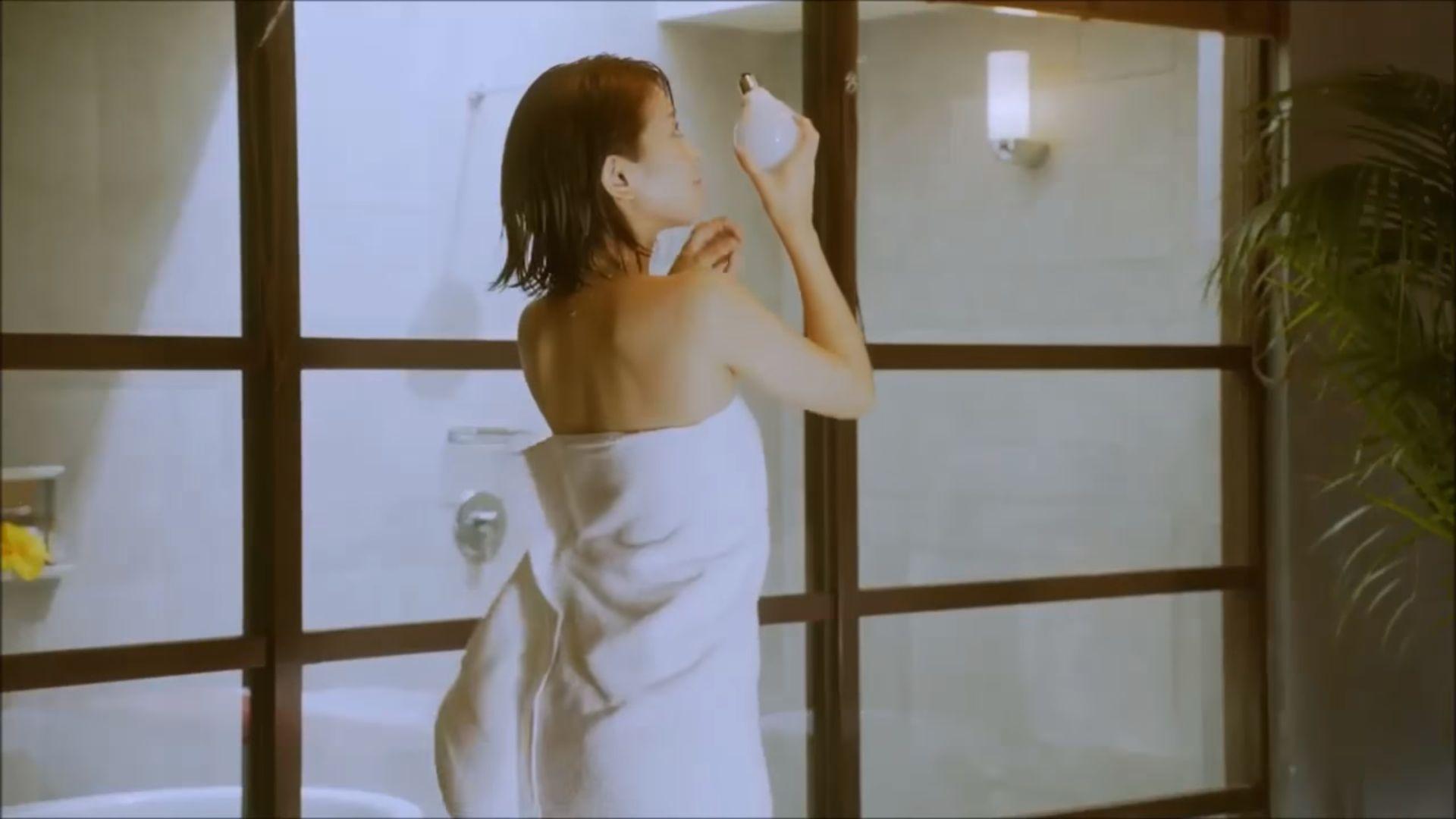 ラストアイドル吉崎綾(21)の全裸ヌードグラビア画像185枚・175枚目の画像