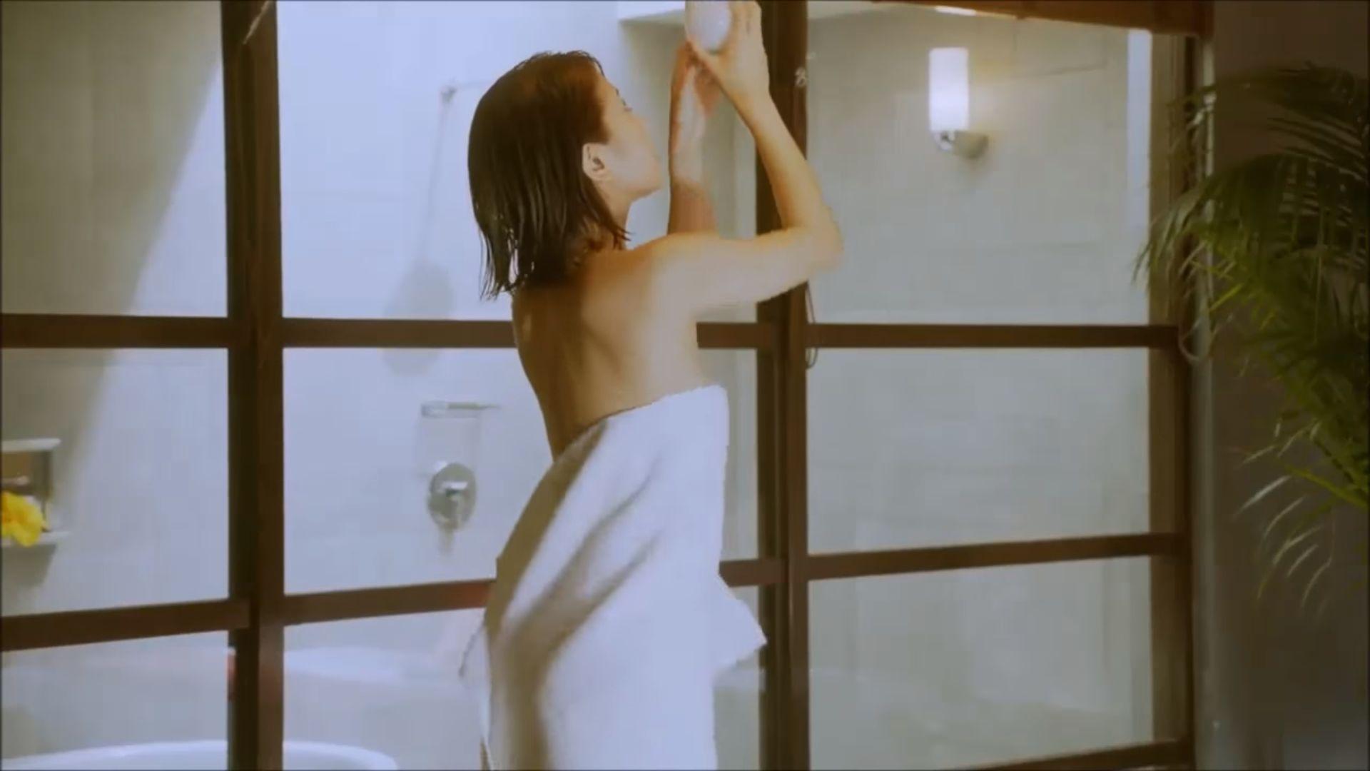 ラストアイドル吉崎綾(21)の全裸ヌードグラビア画像185枚・176枚目の画像