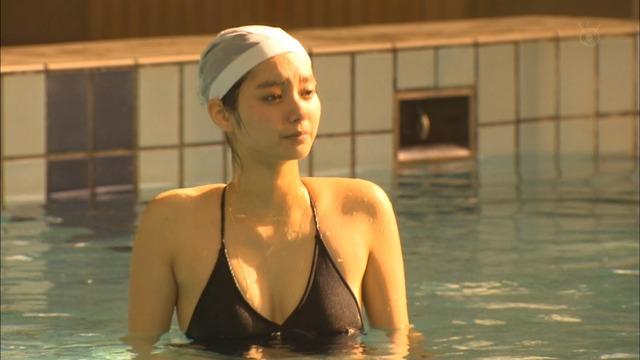 新川優愛(24)の水着姿、ドラマ濡れ場等抜ける画像130枚・126枚目の画像