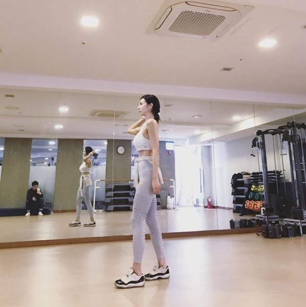 イ・ヨンファの韓流ヌードグラビア画像70枚・69枚目の画像