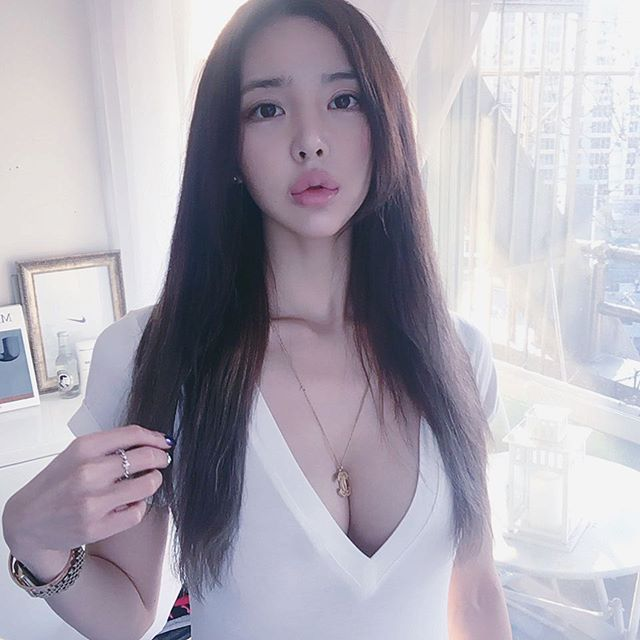 イ・ヨンファの韓流ヌードグラビア画像70枚・78枚目の画像