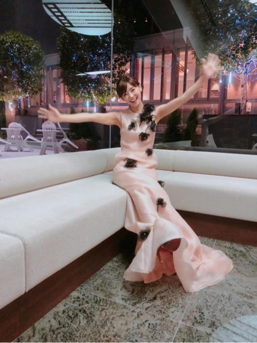 倉科カナのロングドレス姿エロ画像001