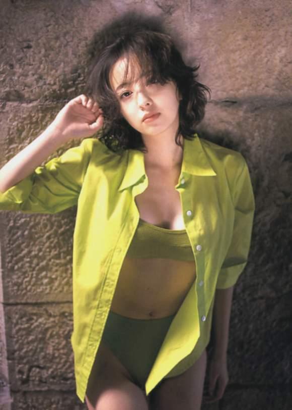 高橋由美子の若かりし頃のお宝グラビアエロ 画像016
