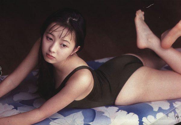 高橋由美子の若かりし頃のお宝グラビアエロ 画像025
