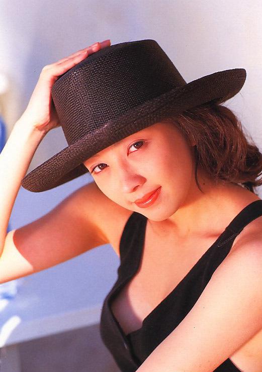 高橋由美子の若かりし頃のお宝グラビアエロ 画像032