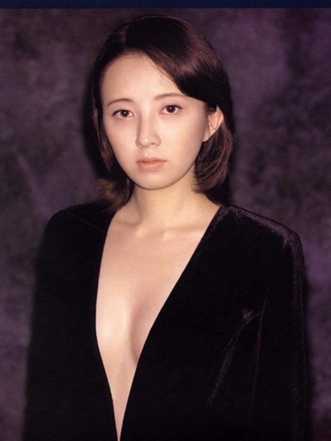 高橋由美子の若かりし頃のお宝グラビアエロ 画像034
