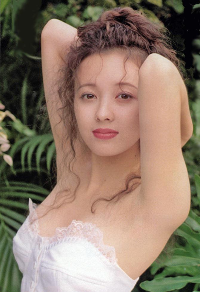 高橋由美子の若かりし頃のお宝グラビアエロ 画像047