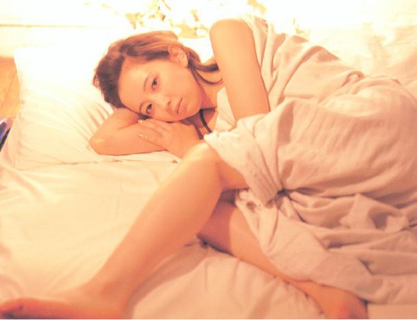 高橋由美子の若かりし頃のお宝グラビアエロ 画像087