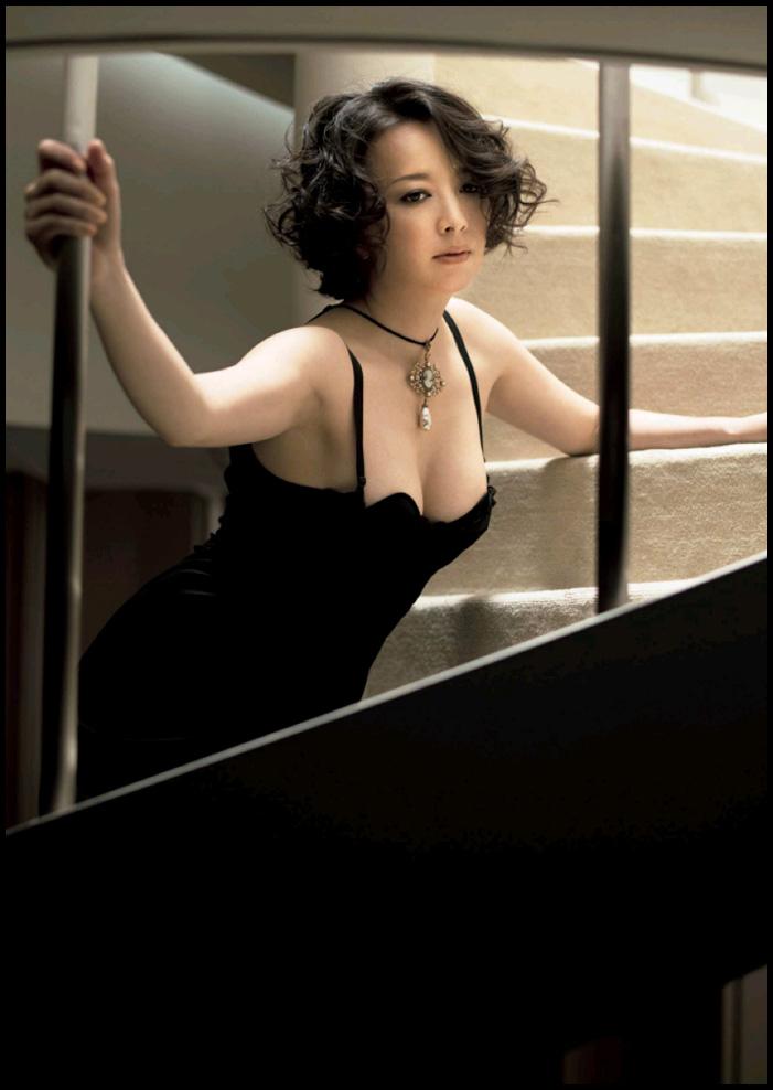 高橋由美子の熟女グラビアエロ画像004