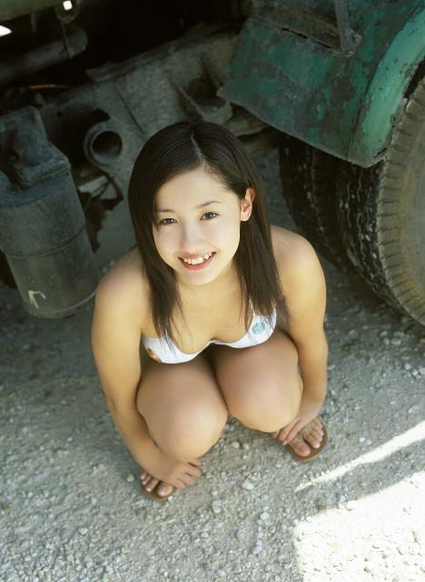 沢尻エリカの若かりし頃の水着グラビア画像46