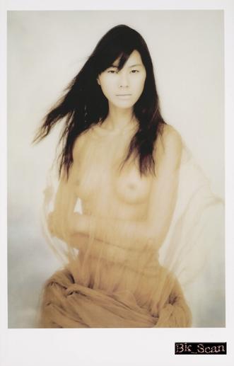 江角マキコの腕組みヌード画像