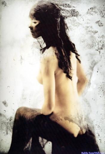 江角マキコの横乳おっぱいヌード画像