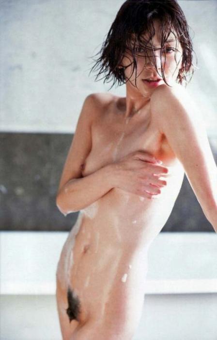 田畑智子のびしょ濡れマン毛ヘアヌード画像