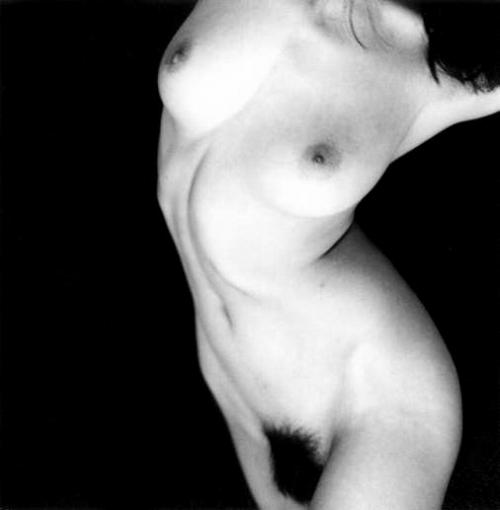 高岡早紀の白黒ヘアヌード画像7
