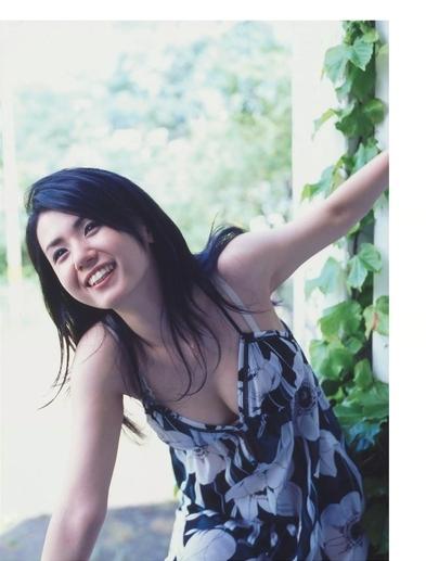 小島可奈子のキャミソール画像