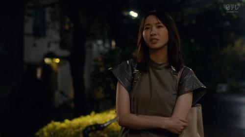新垣結衣のベッド・キスシーンエロ画像002