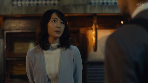 新垣結衣のベッド・キスシーンエロ画像011