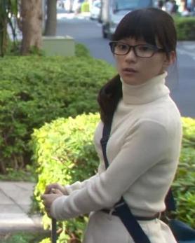 芳根京子のお宝水着写真エロ画像004