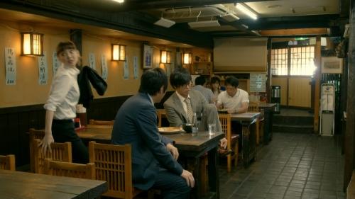 倉科カナのOLスーツ姿乳揺れGIFエロ画像015