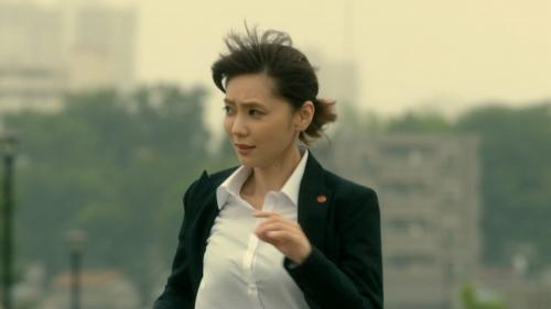 倉科カナのOLスーツ姿乳揺れGIFエロ画像014