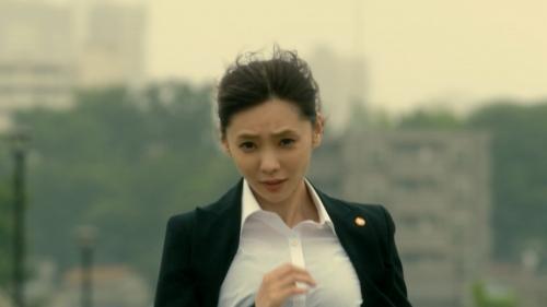 倉科カナのOLスーツ姿乳揺れGIFエロ画像019