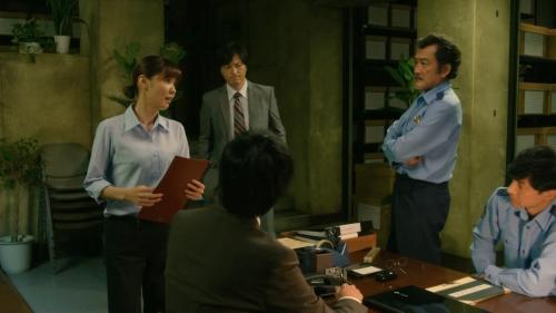 倉科カナのOLスーツ姿乳揺れGIFエロ画像021