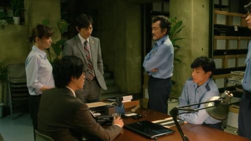 倉科カナのOLスーツ姿乳揺れGIFエロ画像022