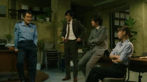 倉科カナのOLスーツ姿乳揺れGIFエロ画像027