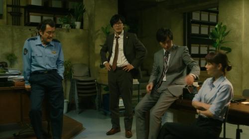 倉科カナのOLスーツ姿乳揺れGIFエロ画像028