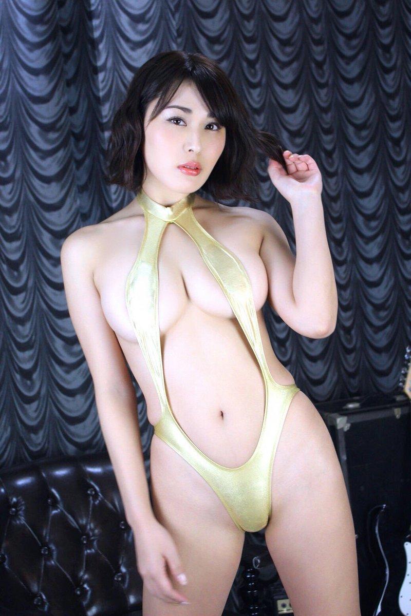 金子智美の過激グラビアエロ画像013