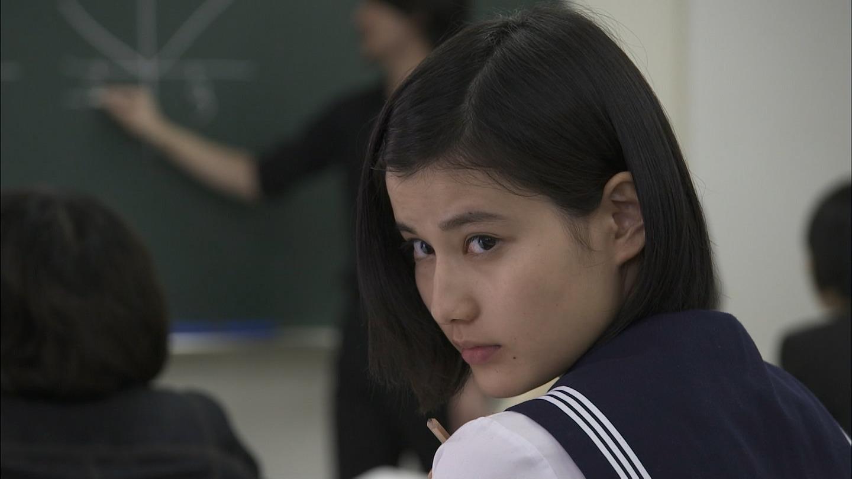 橋本愛のヌード濡れ場等のエロ画像001