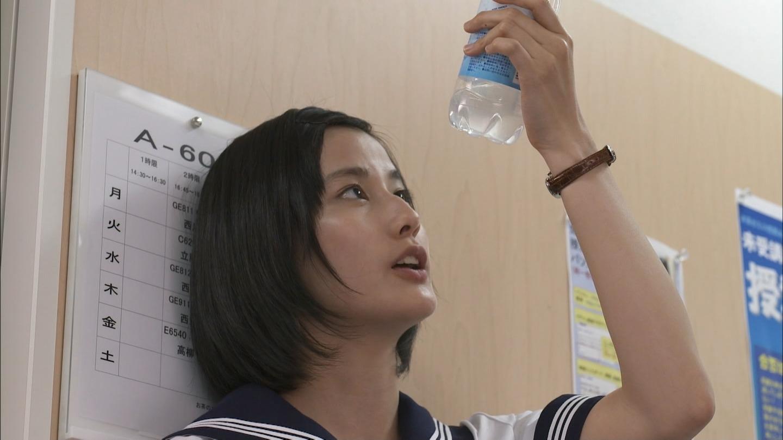 橋本愛のヌード濡れ場等のエロ画像008