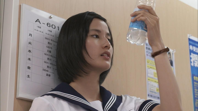 橋本愛のヌード濡れ場等のエロ画像010