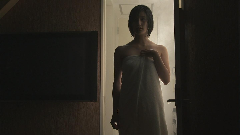 橋本愛のヌード濡れ場等のエロ画像019